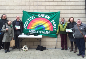 Midlothian Greens braving the icy chills of April